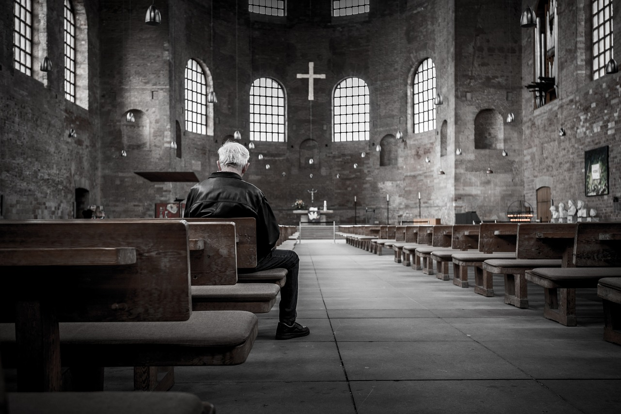 7 Ways Churches are Using Text Messaging Services to Connect with Members